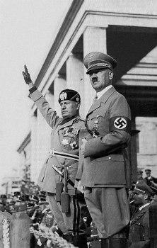 380px-Hitlermusso2_edit