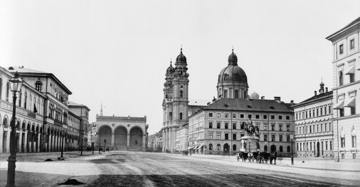 Munich_Odeonsplatz_vor_1891 a