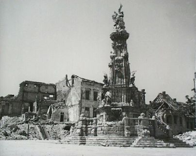 holy trinity square in ruins in 1945