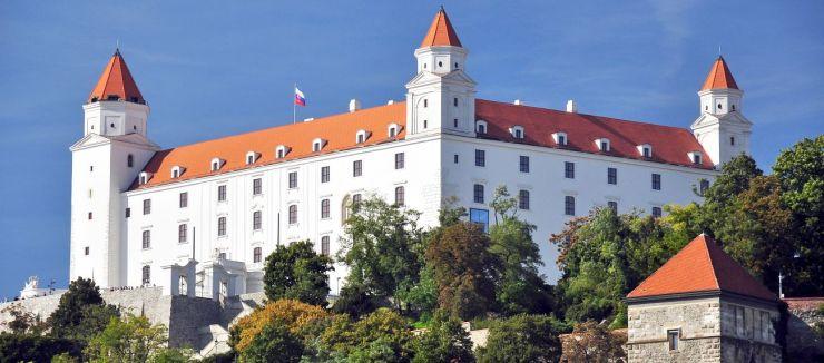 Bratislava,_Hrad,_Slovensko 2