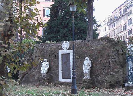 Piazza_Vittorio_Porta_magica 2