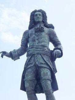 René_Duguay-Trouin_statue_in_Saint_Malo 2