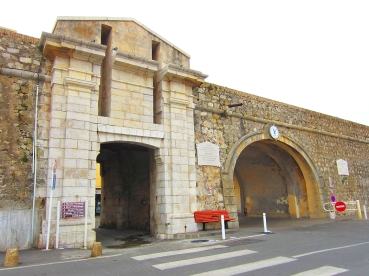 Porte_port_vauban_Antibes