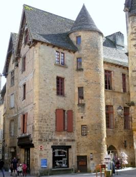 0 Sarlat_-_Hôte_de_Royère-Roquefeuil_-525