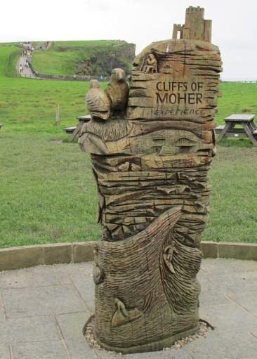 0 Cliffs_of_Moher statue