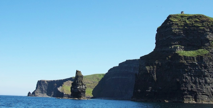 0 Cliffs_of_Moher_Branaunmore_Sea_Stack_O'_Briens_Tower_