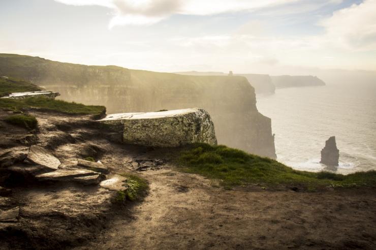 0 Cliffs_of_Moher_Scene
