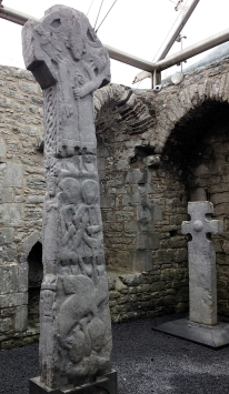 0 Reassembled_complete_High_Cross_at_Kilfenora_Cathedral